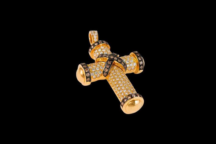 6a57df3f87eb По индивидуальным заказам кресты любого размера и дизайна, от классики до  хай-тека. Кресты и другие ювелирные изделия из любых видов драгоценных  металлов и ...